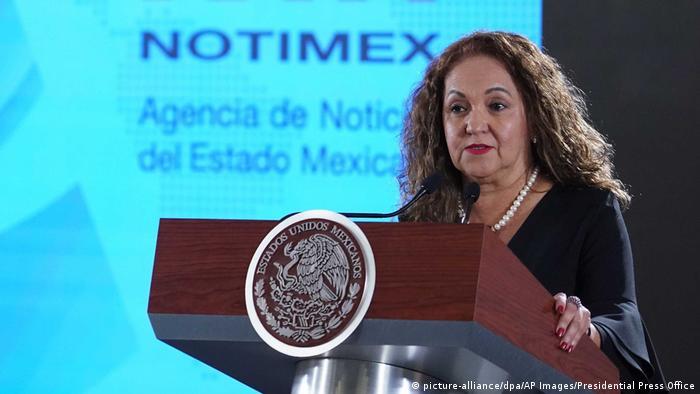 Mexiko | Sanjuana Martinez (picture-alliance/dpa/AP Images/Presidential Press Office)