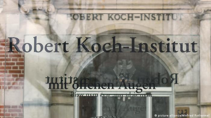 Berlin Eingang Robert-Koch-Institut Schriftzug