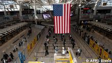 New York JFK Airport Passagiere mit Masken