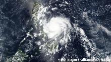 Satellitenbild Taifun Vongfong rast auf östlichen Philippinen zu