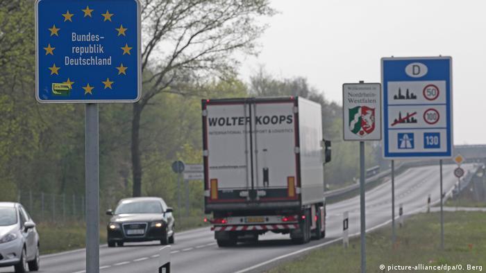 Coronavirus - Grenzkontrollen NRW Niederlande (picture-alliance/dpa/O. Berg)