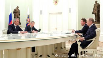 Апрель 2017 года. Райнер Зеле (слева) встречается в Кремле с Владимиром Путиным и Алексеем Миллером