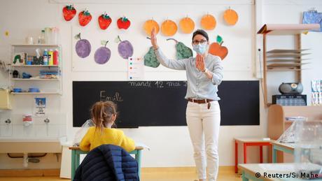 Γαλλία: Επιστροφή των μαθητών στα σχολεία