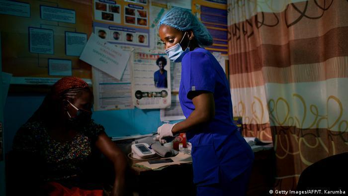 Kenia   Krankenschwester in Nairobi