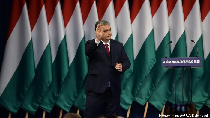 Premierul maghiar Viktor Orban adresându-se simpatizanților