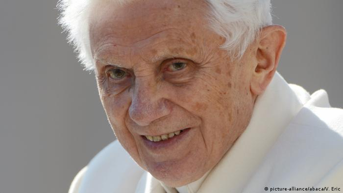 Archivbild | Italien Rom | Papst Benedikt hält letzte Audienz vor Ruhestand