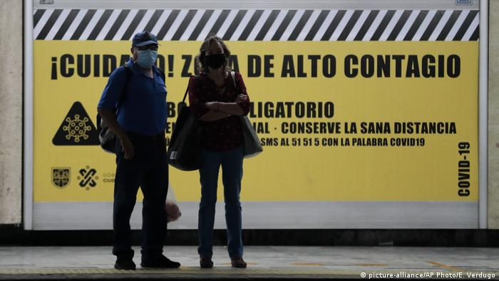 Sign warning against coronavirus in a Mexican subway station