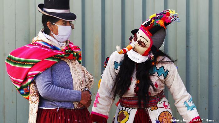 A América do Sul se torna o novo epicentro da pandemia de covid-19, afirmou o diretor Organização Mundial de Saúde, Michael Ryan. Vemos muitos países sul-americanos com aumentos nas quantidades de casos. Há preocupação em muitos desses países, mas o mais afetado é o Brasil, afirmou. O segundo país mais atingido pela pandemia é o Peru. (22/05)
