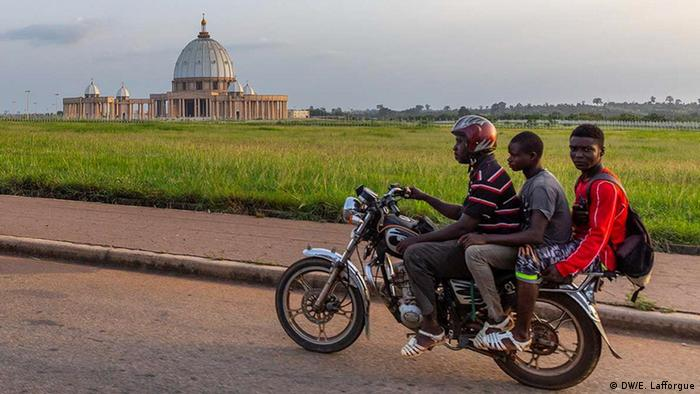 Imagem da Basílica de Nossa Senhora da Paz, na Costa do Marfim