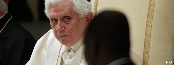 No Flash Missbrauchsfälle Papst Benedikt ###Achtung, nicht für CMS-Flash-Galerien!###