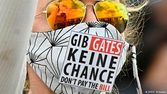 Berlin Corona-Proteste   Verschwörungsmythos Bill Gates