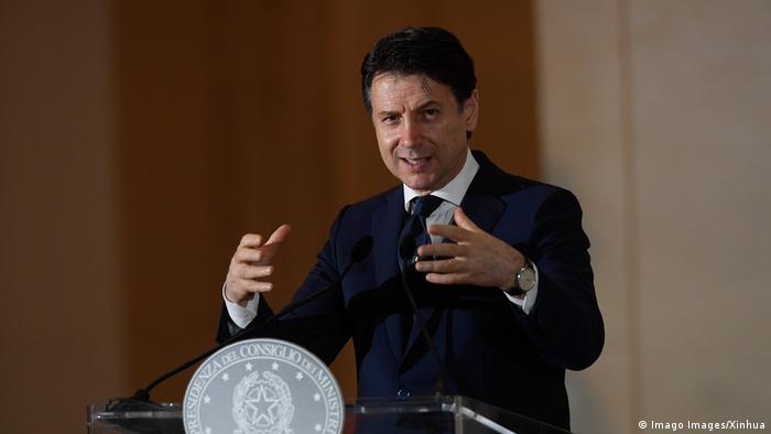 Italien Giuseppe Conte Ministerpräsident PK Lockdown