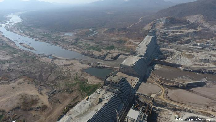 سد النهضة التي تقيمه اثيوبيا على مجرى نهر النيل (صورة جوية)
