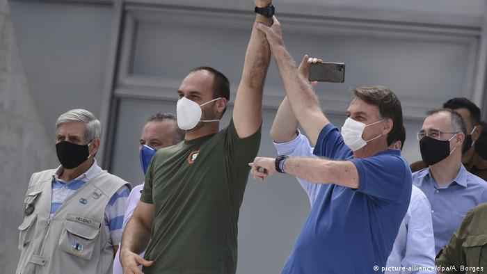 President Bolsonaro continues to downplay the virus and slammed lockdown measures (picture-alliance/dpa/A. Borges)