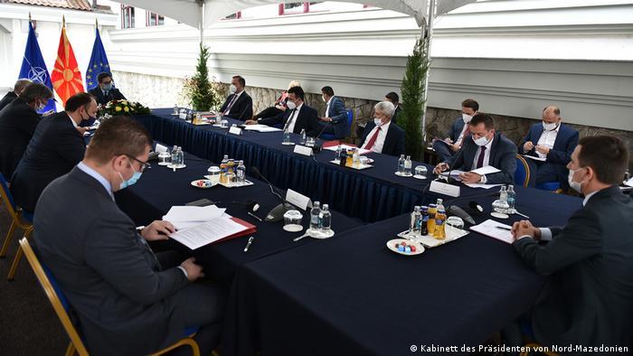 Nord-Mazedonien Skopje | Treffen der Parteiführer bei dem Präsidenten Stevo Pendarovski (Kabinett des Präsidenten von Nord-Mazedonien)