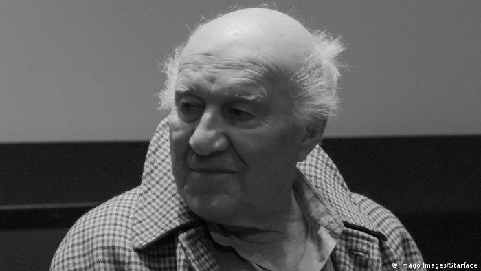 Michel Piccoli, leyenda del cine francés, celebrado por sus roles en El discreto encanto de la burguesía, Las cosas de la vida y El desprecio, falleció el 12 de mayo a los 94 años, informó este lunes su familia. Piccoli falleció por un accidente cerebral, según un comunicado de la familia enviado a la agencia AFP. (18.05.2020).