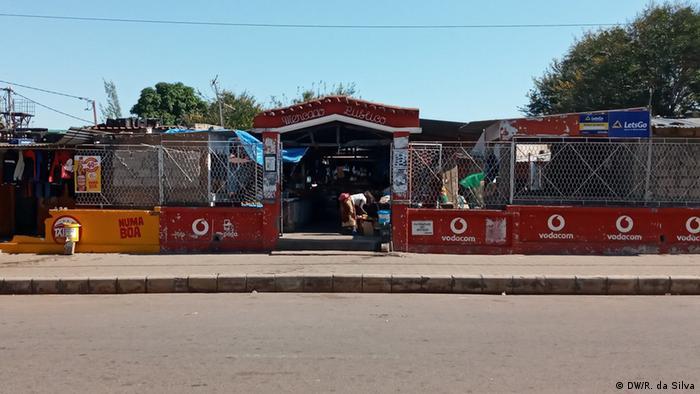Märkte und Straßenhandel in Mosambik (DW/R. da Silva)