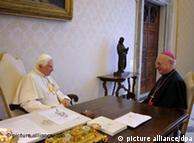 El Papa Benedicto XVI y el presidente de la Iglesia Católica Alemana, Robert Zollitsch.