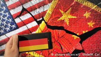 Symbolbild Deutschland und chinesisch-amerikanische Rivalität (picture-alliance/C. Ohde/M. Cui)