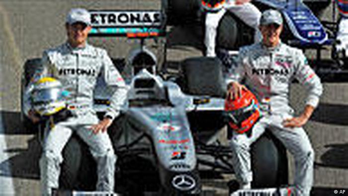 Formel 1 Bahrain Training Schumacher Rosberg (AP)