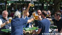 Deutschland Coronavirus Wiedereröffnung Biergarten