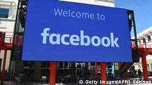 23.10.2019 A giant digital sign is seen at Facebook's corporate headquarters campus in Menlo Park, California, on October 23, 2019. (Photo by Josh Edelson / AFP) (Photo by JOSH EDELSON/AFP via Getty Images)