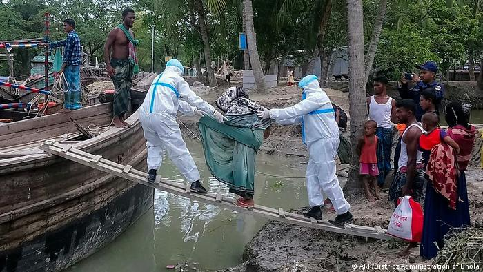 Evacuation ahead of cyclone Amphan in Bangladesh