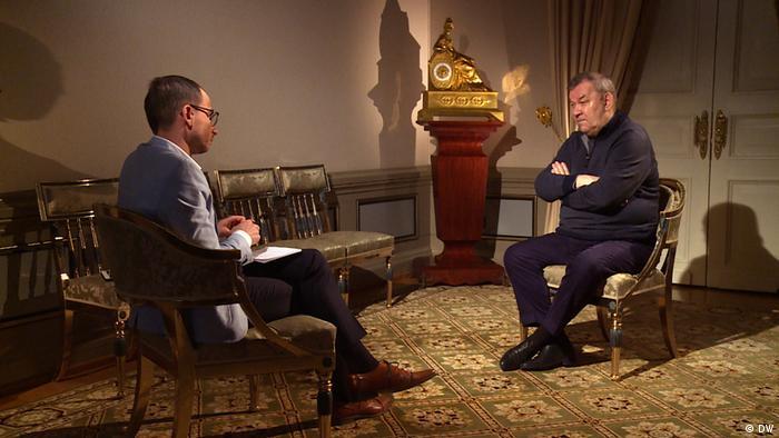 Vladimir Urin em entrevista à DW