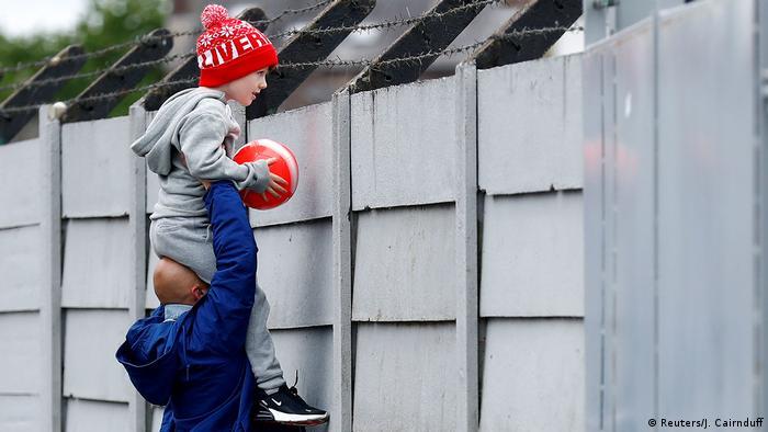 Großbritannien Liverpool |Sport & Coronavirus |Fußballfan (Reuters/J. Cairnduff)