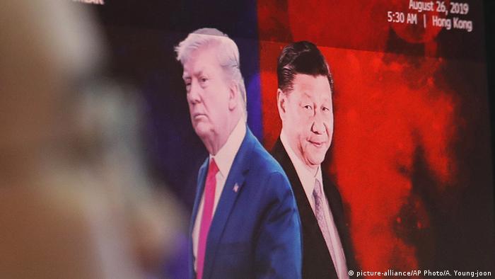 Trump und Xi auf Bildschirm