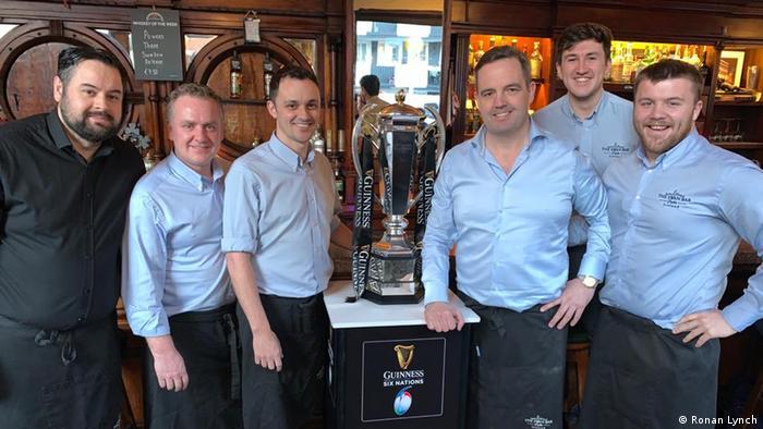 Irland Dublin   Pub The Swan Bar