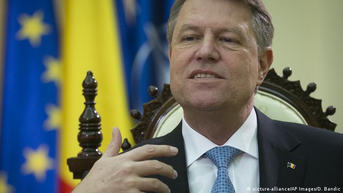 Rumänien Präsident Klaus Johannis (picture-alliance/AP Images/D. Bandic)