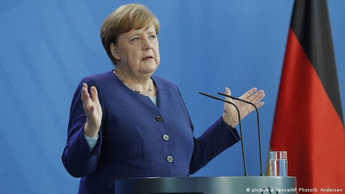 Deutschland Berlin Pressekonferenz Bundeskanzlerin Angela Merkel