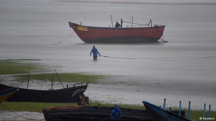 Zyklon Amphan trifft Indien und Bangladesch (Reuters)