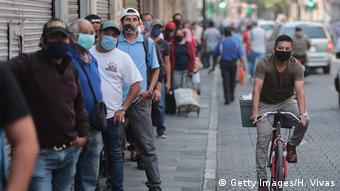 Mexiko | Coronavirus | Menschenmenge | Shopping (Getty Images/H. Vivas)