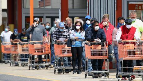 USA   Coronavirus   Menschenmenge   Shopping (Getty Images/B. Bennett)