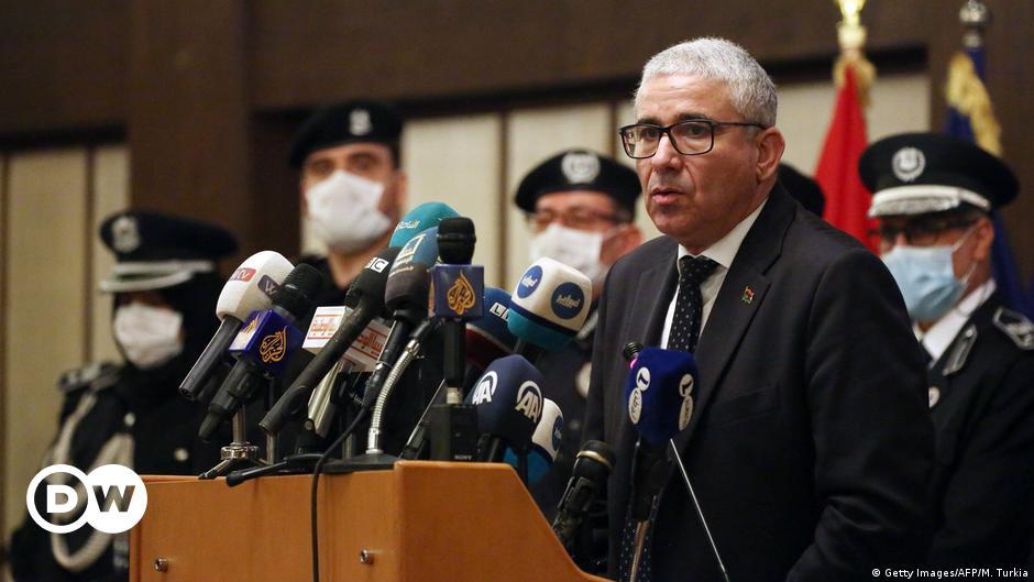 وزير الداخلية الليبي فتحي باشاغا ينجو من محاولة اغتيال قرب طرابلس