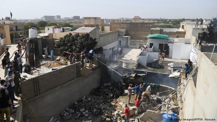 Місце падіння літака в Карачі