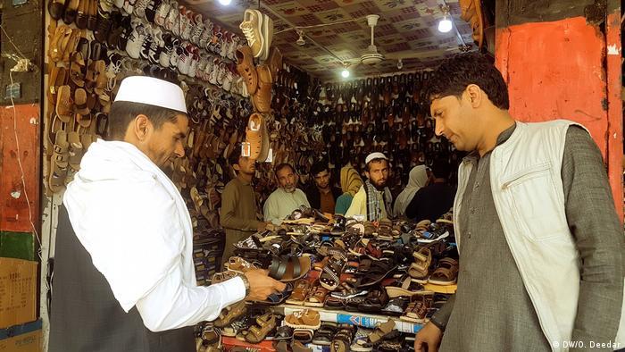 شیوع ویروس کرونا در افغانستان در هفته های اخیر رشدی چشمگیر داشته است.