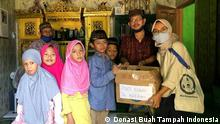 Indonesien Essensspenden für Bedürftige