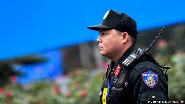 Vitenam Polizist