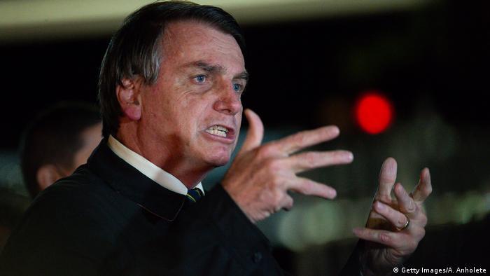Brasilien Brasilia | Jair Bolsonaro spricht zur Presse (Getty Images/A. Anholete)