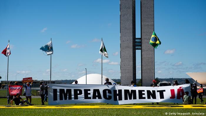 Brasilien Brasilia   Demonstranten fordern Amtenthebungsverfahren gegen Jair Bolsonaro