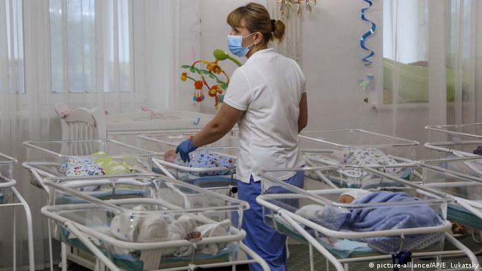 Coronavirus: Babies born to surrogates stranded in Ukraine clinic