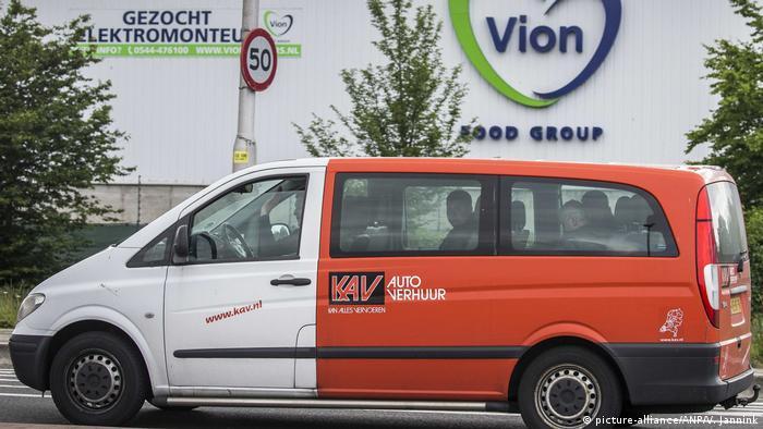 Niederlande Schlachthaus Vion wegen Coronavirus sofort geschlossen (picture-alliance/ANP/V. Jannink)