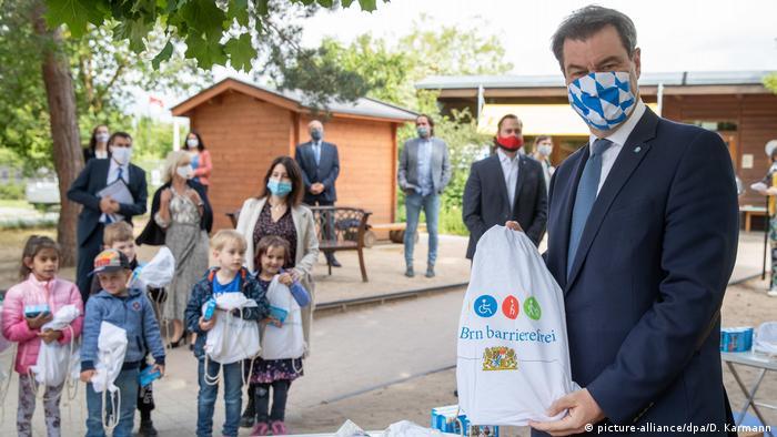 Deutschland Markus Söder besucht Nürnberger Kita (picture-alliance/dpa/D. Karmann)