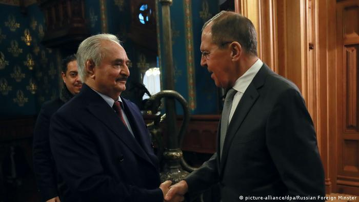لقاء بين حلفاء: خليفة حفتر مع وزير الخارجية الروسي سيرغي لافروف