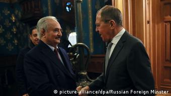 Ο Χαλίφα Χαφτάρ με τον ρώσο υπΕξ Σεργκέι Λαβρόφ
