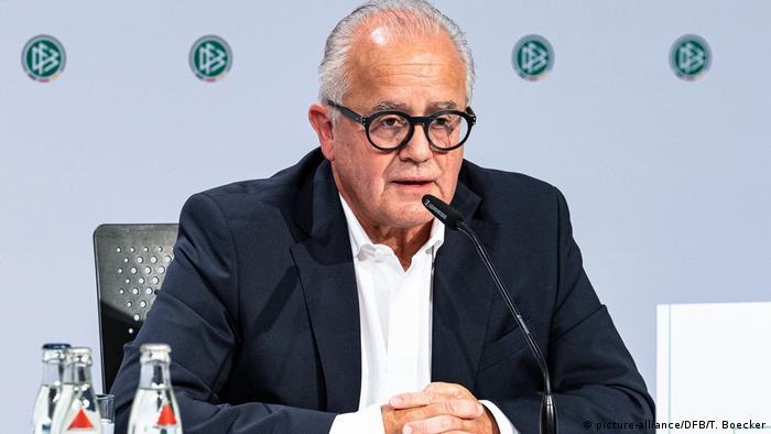 فریتس کلر در سال ۲۰۱۹ به عنوان رئیس فدراسیون فوتبال آلمان انتخاب شد. اما در بهار سال ۲۰۲۱ رؤسای هیئتهای ایالتی و مدیران اتحادیههای منطقهای فوتبال آلمان خواستار استعفای فریتس کلر شدهاند. اظهارات جنجالی فریتس کلر در مورد راینر کُخ، نایبرئیس DFB بحرانآفرین شد.