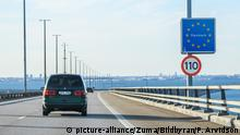 A car crossing into Denmark (picture-alliance/Zuma/Bildbyran/P. Arvidson)